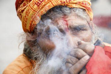 Shivaratri: Sadhus treffen sich zum Kiffen